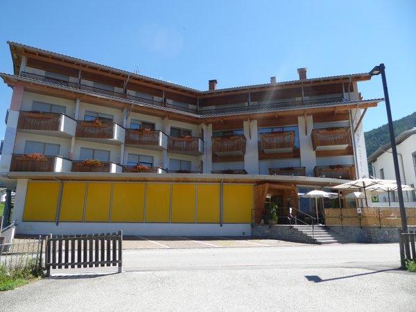 Foto estiva di presentazione Sporthotel Rasen - Hotel 4 stelle
