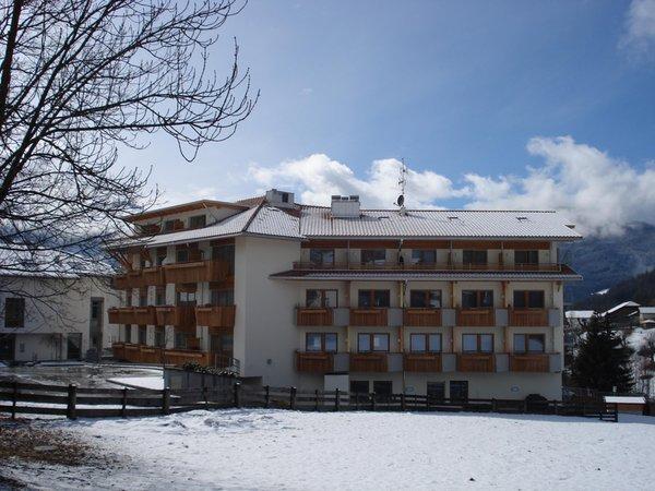 Foto Außenansicht im Winter Sporthotel Rasen