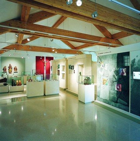 Museo Ladin de Fascia com.xlbit.lib.trad.TradUnlocalized@15d0a90b
