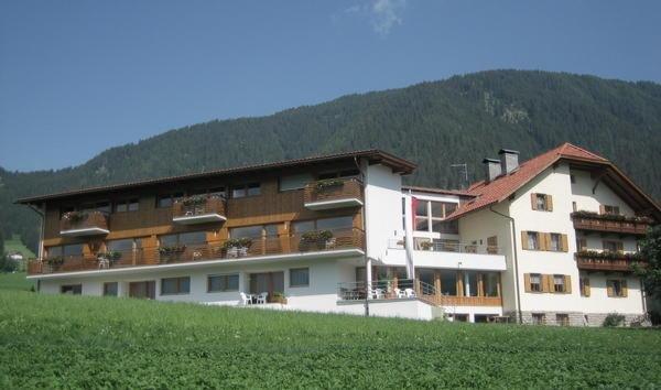 Summer presentation photo Garni (B&B) + Apartments Neumairhof