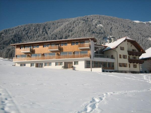 Winter presentation photo Garni (B&B) + Apartments Neumairhof