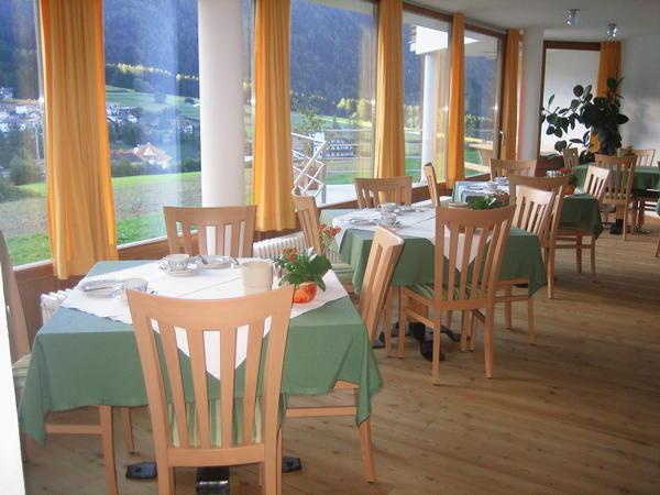 The restaurant Rasun in Valle d'Anterselva / Rasen im Antholzertal Neumairhof