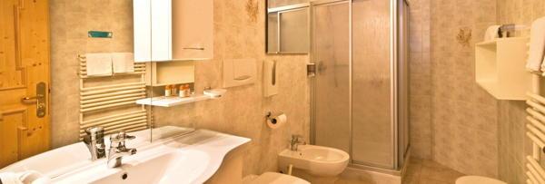 Foto del bagno Hotel Schwarzenbach
