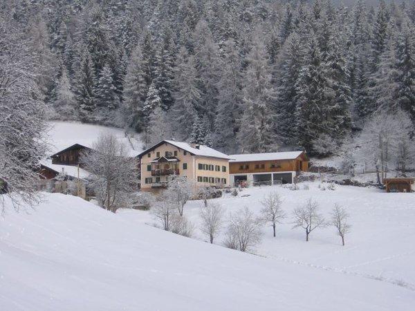 Foto esterno in inverno Köhlhof