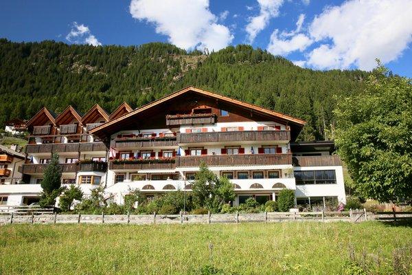 Sommer Präsentationsbild Hotel Alpenland