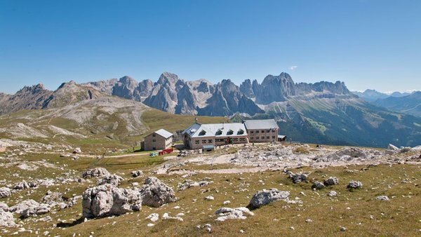 Foto Außenansicht im Sommer Bolzano - Schlernhaus
