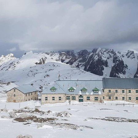 Winter Präsentationsbild Berghütte mit Zimmern Bolzano - Schlernhaus