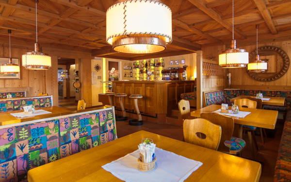 Foto von der Bar Dolomiti Hotel Adler Carezza