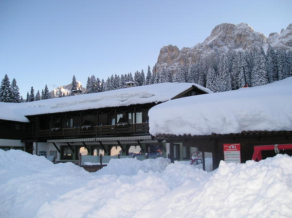 Foto dell'esterno in inverno Carezza