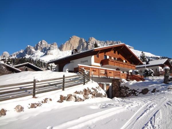 Foto esterno in inverno Girgenoy