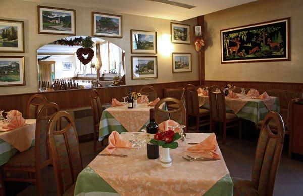 Il ristorante Forni di Sopra (Alpi Friulane) Ristorante Pizzeria Davòst