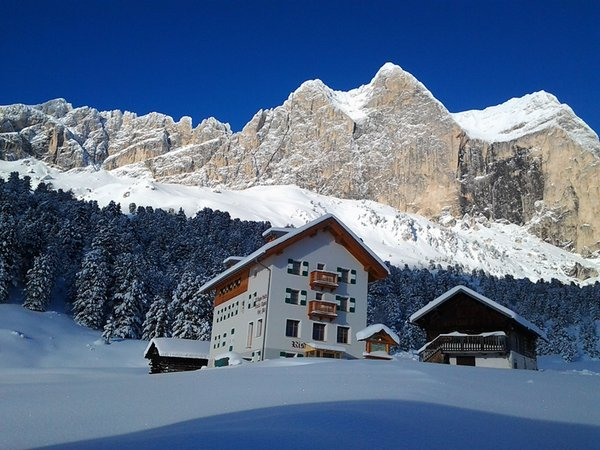 Foto invernale di presentazione Rifugio Stella Alpina Spiz Piaz