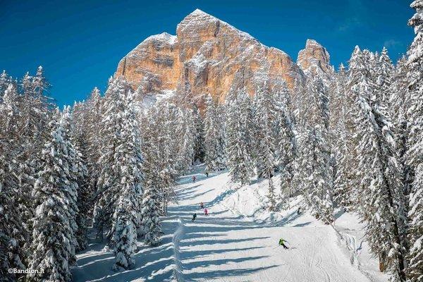 Foto Außenansicht Skizentrum Socrepes-Pocol-Tofana-Falzarego