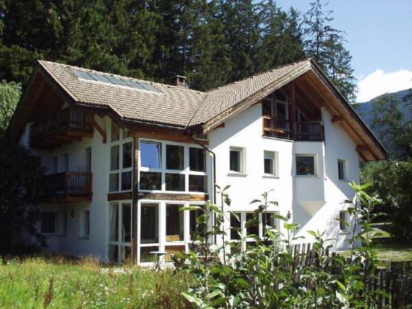 Foto estiva di presentazione Appartamenti Villa Ambra