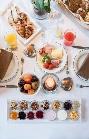 Das Frühstück Hotel Vierbrunnenhof