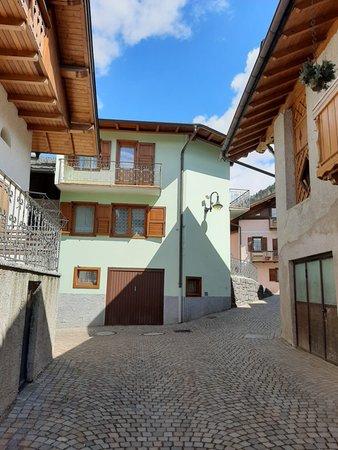 Foto esterno in estate Casa Pilar