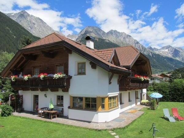 Foto estiva di presentazione Appartamenti Haus Hellweger