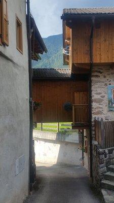 Foto esterno in estate Lausen Vil