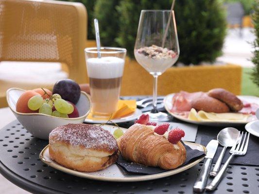 The breakfast Hi Hotels