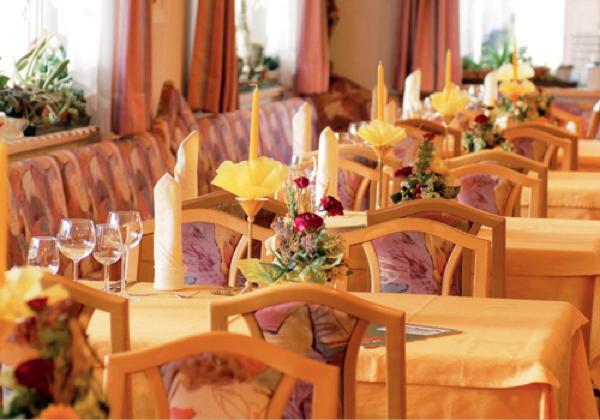 The restaurant Valdaora di Mezzo / Mitterolang (Valdaora / Olang) Aichner