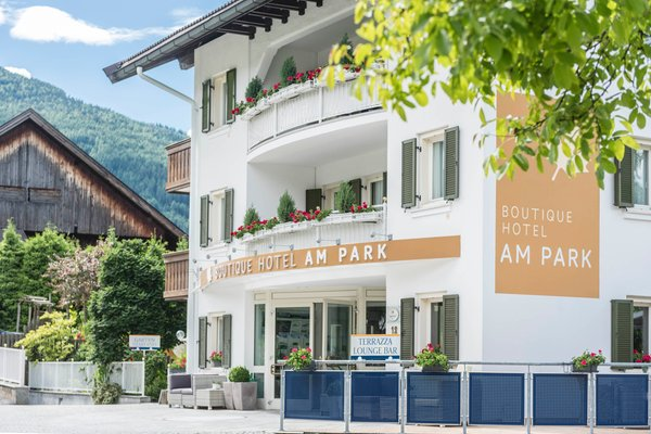 Sommer Präsentationsbild Boutique Hotel Am Park