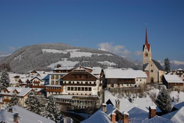 Foto invernale di presentazione Hotel Post