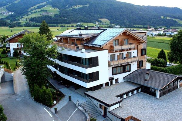 Foto estiva di presentazione Alpinhotel