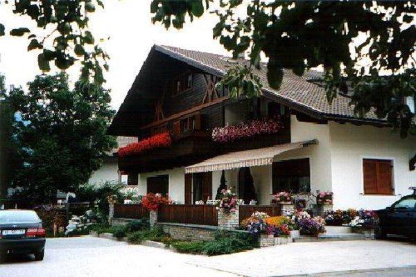 Foto estiva di presentazione Camere con prima colazione Haus Grüner
