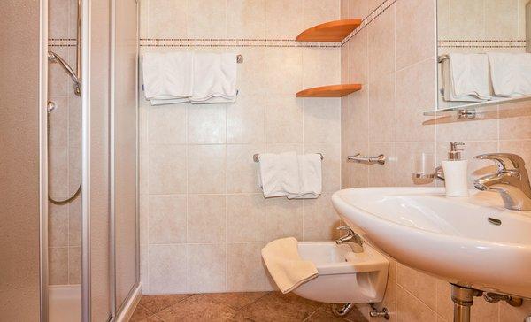 Foto del bagno Appartamenti in agriturismo Liebharterhof
