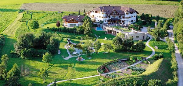 Foto estiva di presentazione Hotel Tauber's Bio Vitalhotel