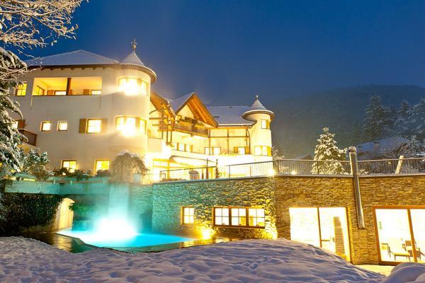 Foto invernale di presentazione Hotel Tauber's Bio Vitalhotel