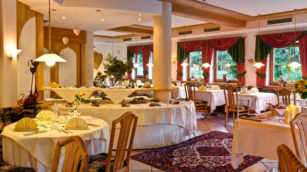 Il ristorante San Sigismondo (Chienes) Tauber's Bio Vitalhotel