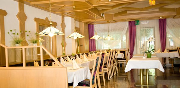The restaurant San Sigismondo / St. Sigmund (Chienes / Kiens) Sigmunderhof