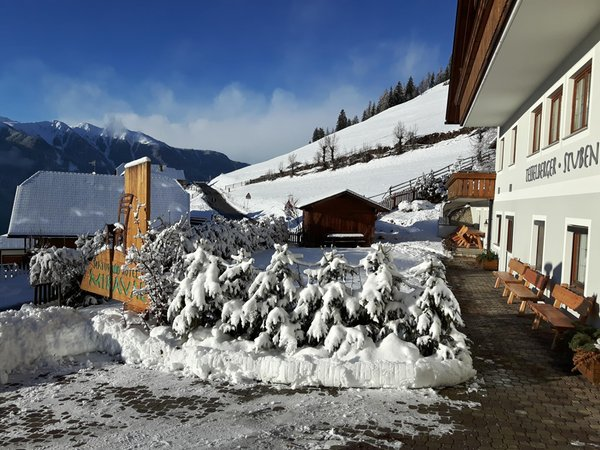 Photo exteriors in winter Naturhotel Miraval
