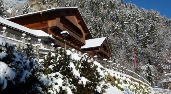 Winter Präsentationsbild Bauhof - Gasthof 1 Stern