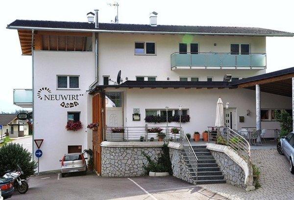 Foto esterno in estate Neuwirt