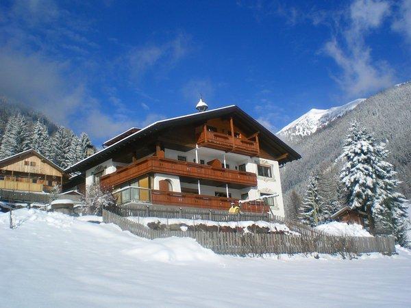 Foto invernale di presentazione Alpegger - Appartamenti in agriturismo 3 fiori