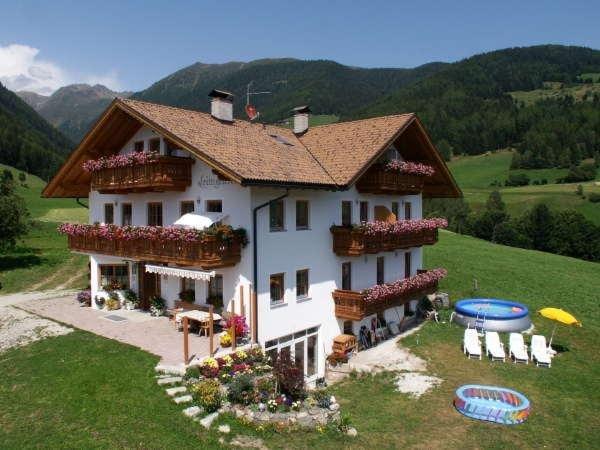 Sommer Präsentationsbild Leimgruberhof - Ferienwohnungen auf dem Bauernhof 3 Blumen