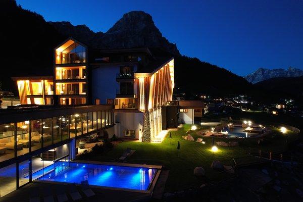 Photo exteriors in summer Romantik Hotel Cappella
