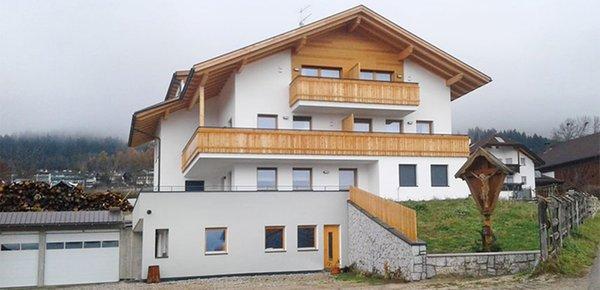 Foto invernale di presentazione Reiterhof Grasspeinten - Appartamenti in agriturismo 2 fiori