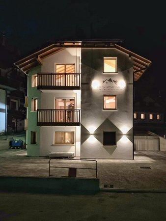 Foto esterno in inverno Europa Mountain Apartments