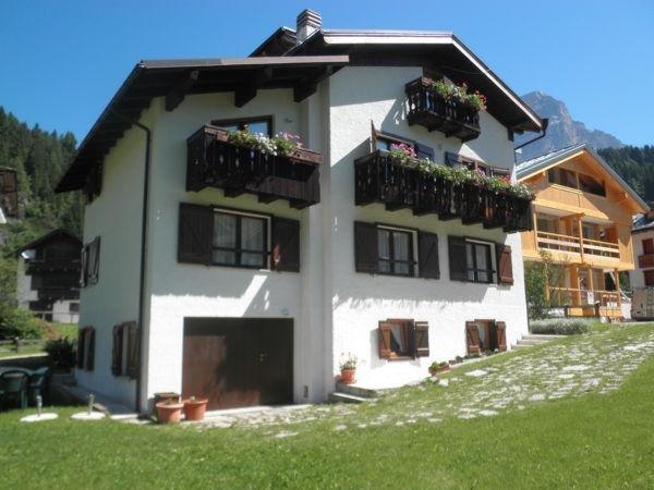 Foto esterno in estate Villa Erica