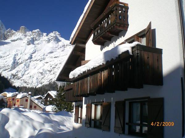Foto esterno in inverno Villa Erica