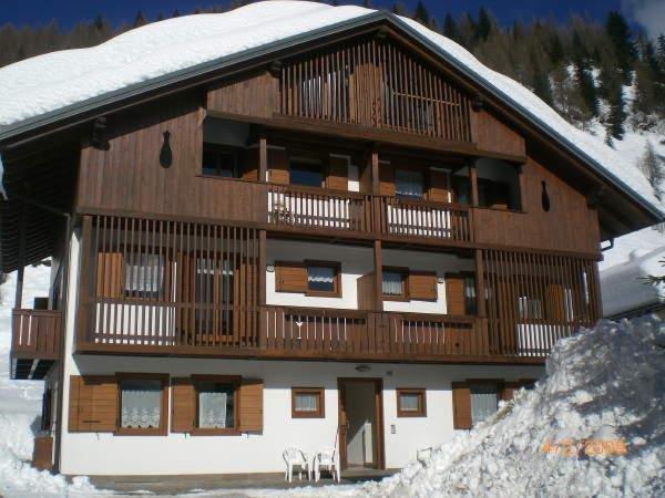 Foto invernale di presentazione Casa Scarzanella - Appartamenti
