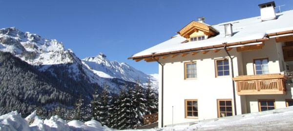 Foto invernale di presentazione Chalet Zirm - Camere private + Appartamenti seconda categoria