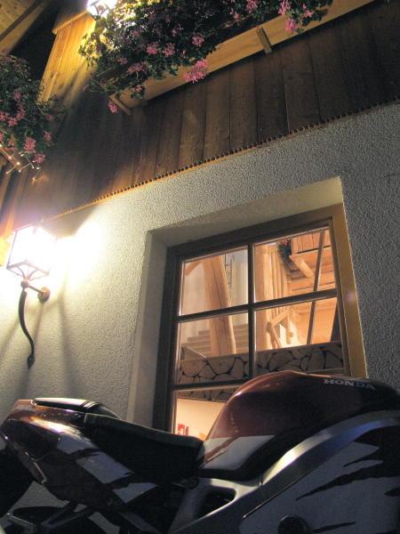 Immagine Camere private + Appartamenti Chalet Zirm