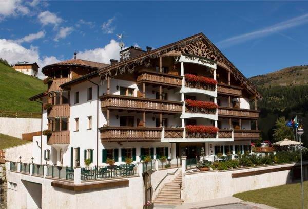 Foto estiva di presentazione Alpenrose - Hotel + Residence 3 stelle sup.