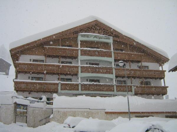 Foto invernale di presentazione Alpenrose - Hotel + Residence 3 stelle sup.