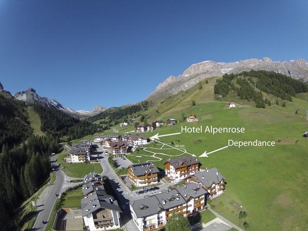 La posizione Hotel + Residence Alpenrose Arabba