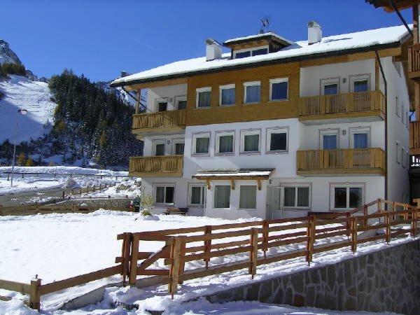 Winter presentation photo Apartments Alpenroyal